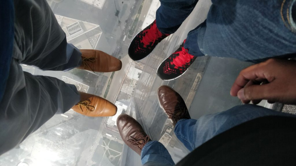 Chicago_Skydeck_On the Ledge